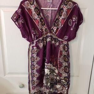 Short sleeve, v-neck dress